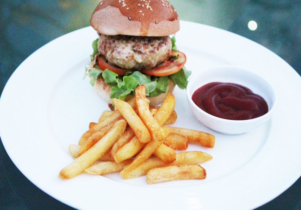 Chicken or pork burger with french fries 280.-