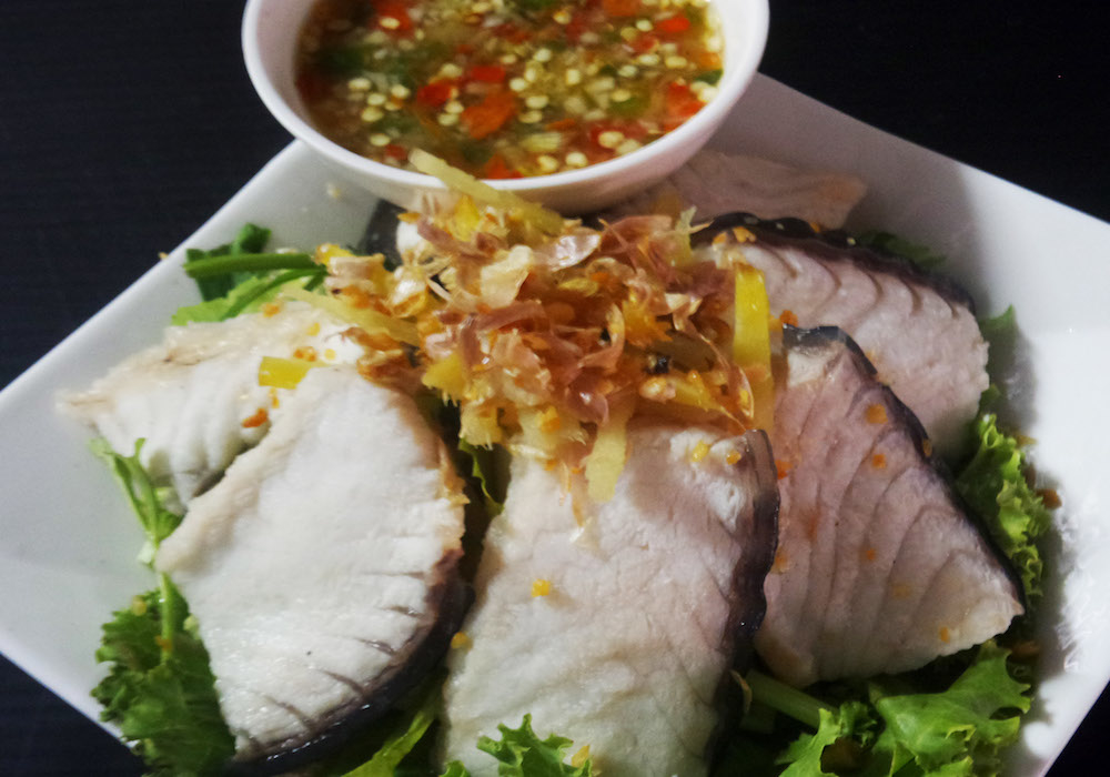 Parboiled grouper meat with hot salted soy sauce 220.-